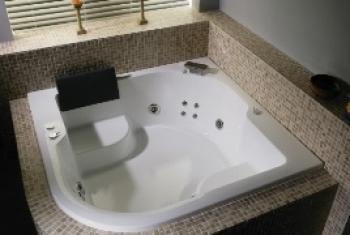 BRAVAT 按摩浴缸  B25510W-4